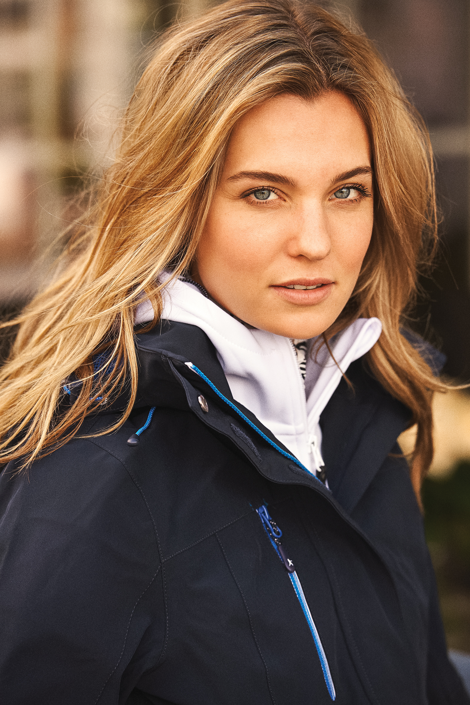 Ladies Island Block Jacket in Navy